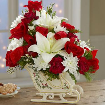 The Holiday Traditions™ Bouquet